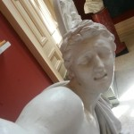 Ancient Statues Pose for Selfies / Hyperallergic