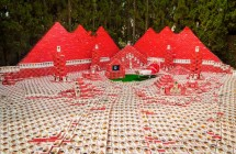 Show Me the Money! Collective Fundraises for Pyramid to House 14,000 'Jerry Maguire' Tapes / Hyperallergic