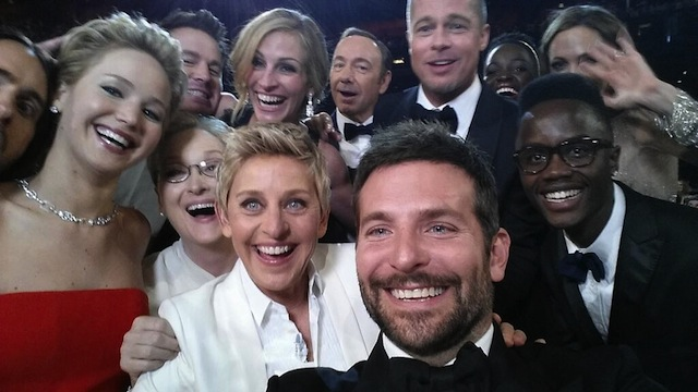 Ellen's group selfie at the 2014 Oscars. Image via Twitter.