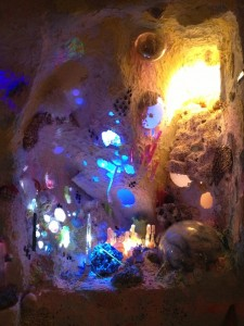 """Meow Wolf, """"Nucleotide"""" installation at Thomas Robertello Gallery in Chicago (all photographs by the author for Hyperallergic unless otherwise noted)"""